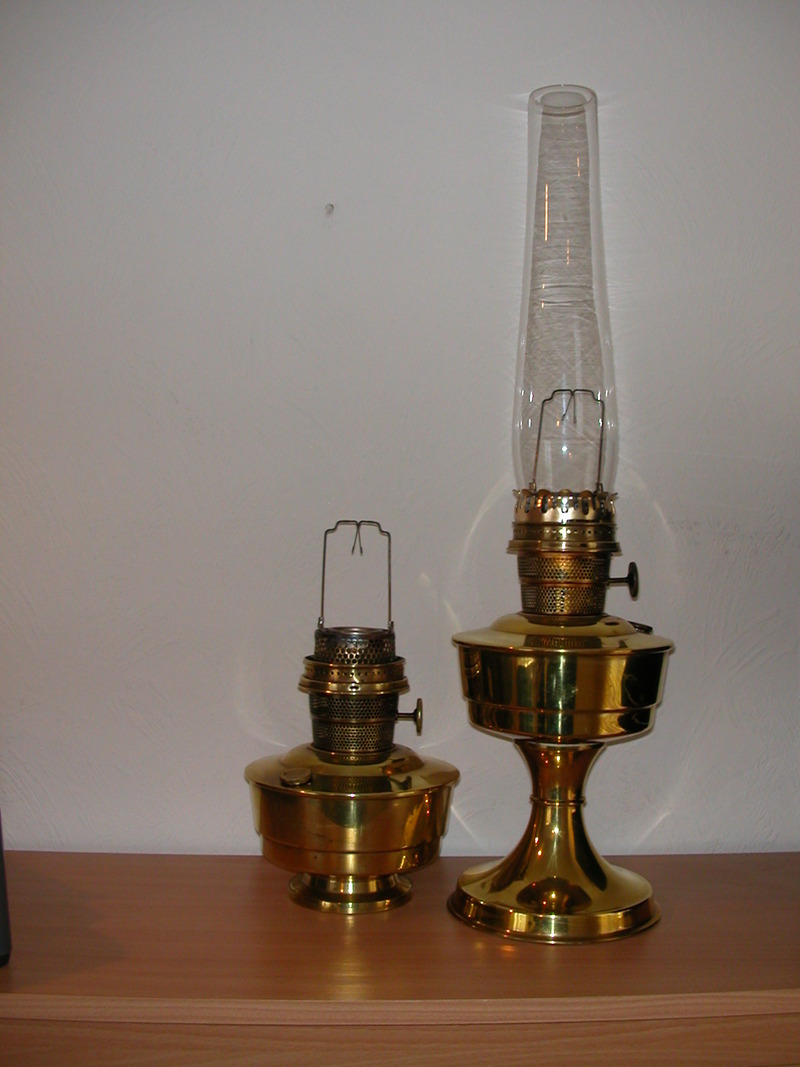 oil lamps birmingham antiques for sale collectibles for sale. Black Bedroom Furniture Sets. Home Design Ideas
